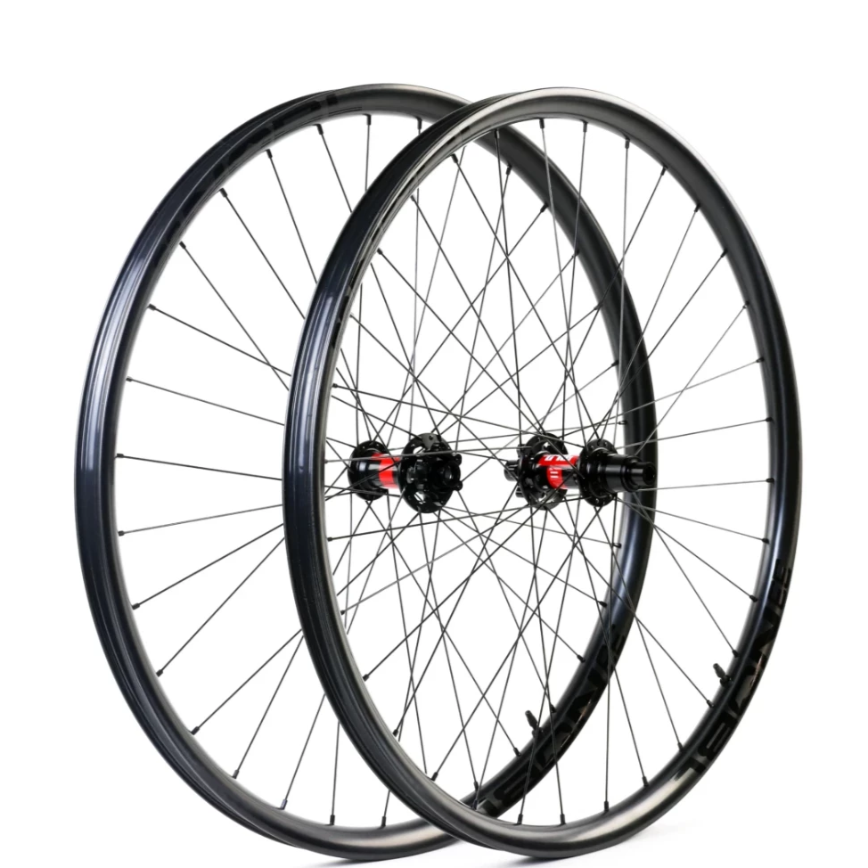 Nobl TR32 Custom Hand Built Mountain Disc Wheelset
