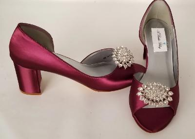 burgundy peep toe shoes