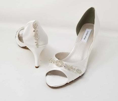 womans white bridal shoes with rhinestones