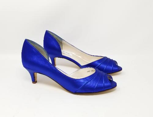 blue wedding shoes with kitten heel
