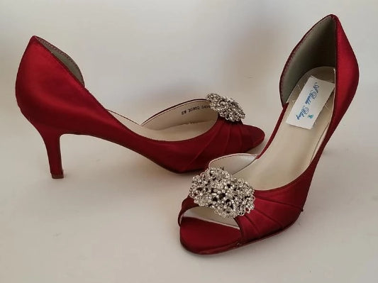 Red Bridal Shoes with Vintage Style Crystal Brooch Design