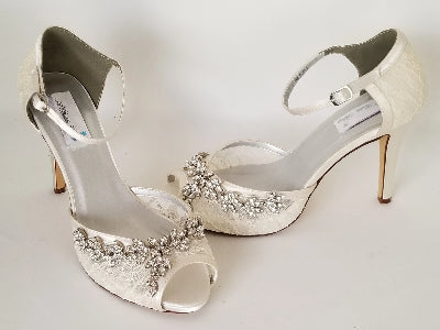 ivory lace bridal shoes with crystals