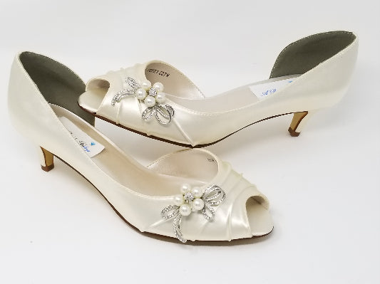 Ivory Bridal Shoe Bow Design