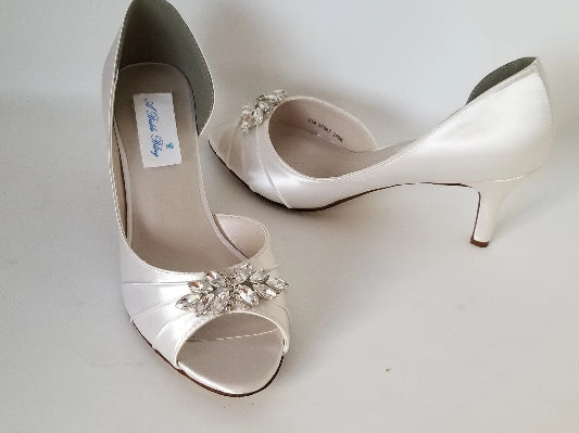 ivory bridal shoes with crystal applique
