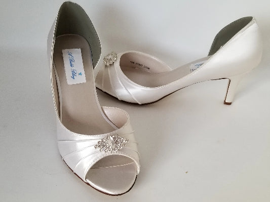ivory wedding shoes crystal diamond design