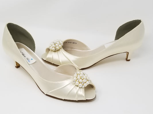 Ivory Wedding Shoes with Pearl and Crystal Custer