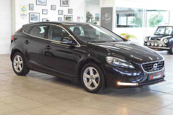 VOLVO V40 BUSINESS D2 115 CH MOMENTUM