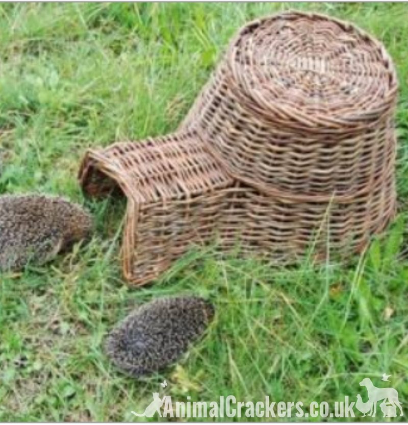 Large 50cm wicker Hedgehog house - breeding or hibernation shelter