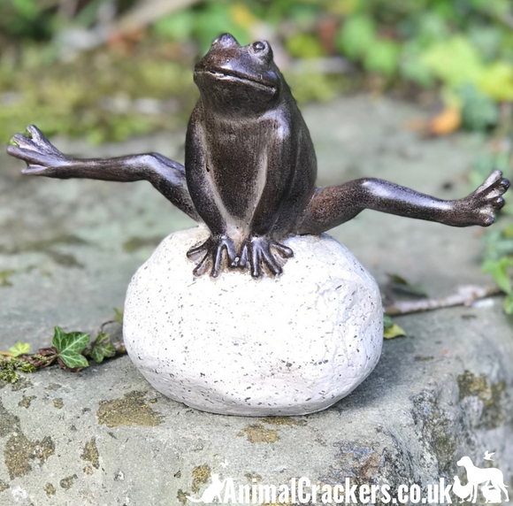 Leaping Bronze effect Frog on stone weatherproof garden pond ornament decoration