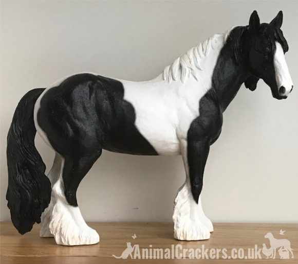 Large 26cm Piebald (Black & White) Cob ornament from Leonardo, great coloured horse or pony lover gift