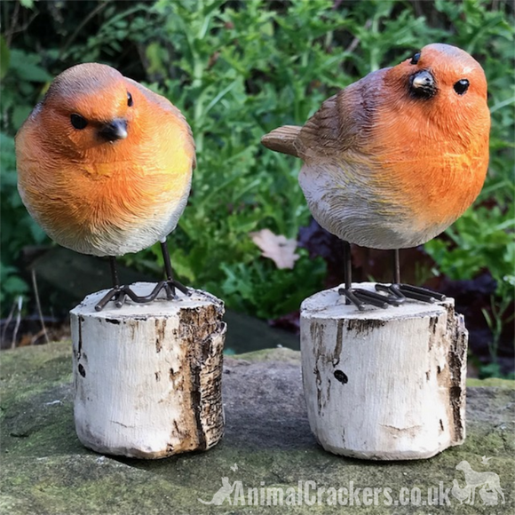 SET 2 ROBINS ON LOG indoor outdoor garden ornaments decoration robin lover gift