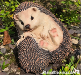 Cute HEDGEHOG WITH BABY, novelty resin garden ornament, great Hog lover gift