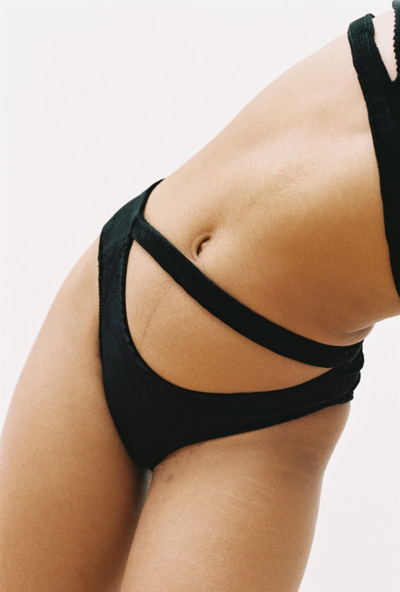 Cece Brief in Black