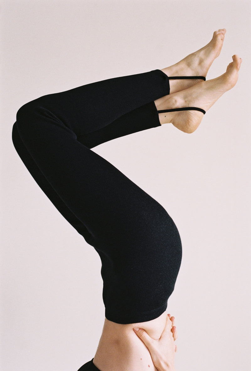 Dive Leggings in Black