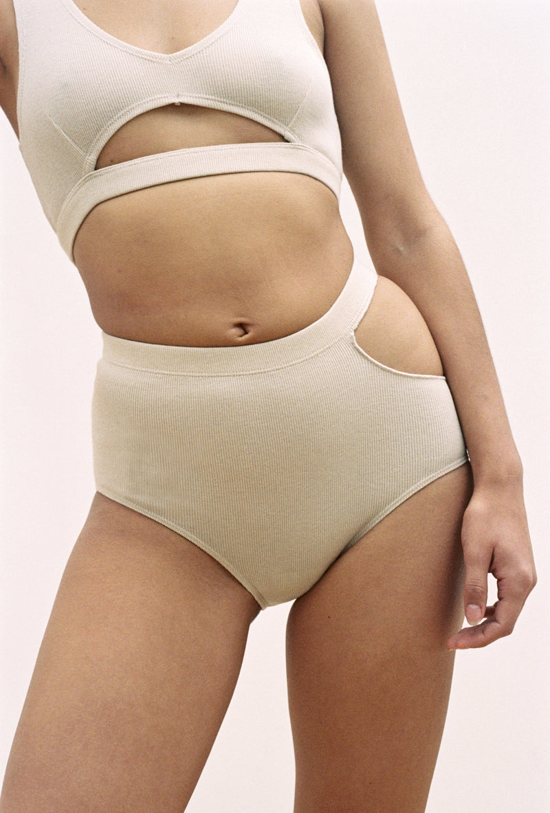 Sade Brief in Toasted Almond