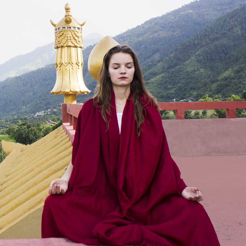 Buddhist Collection |  Large-sized Buddhist meditation and prayer shawls | Esprit de l'Himalayas
