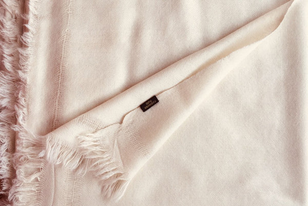 SHYAM DHYAN Large Shawl | Cream Natural Shade | Cashmere Meditation Shawl | Esprit de l'Himalaya
