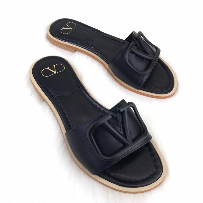 V logo Flat Slide Sandals Black