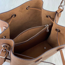 Load image into Gallery viewer, Muria Bucket Bag Tan