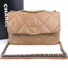Load image into Gallery viewer, CH19 Large Flap Bag Tan
