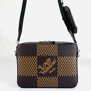 Louis Vuitton LV² COLLECTİON Trio Messenger