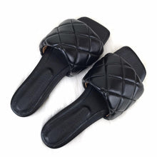Load image into Gallery viewer, Padded Sandals Black