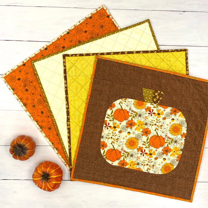 Give Thanks Retro Pumpkin Placemats
