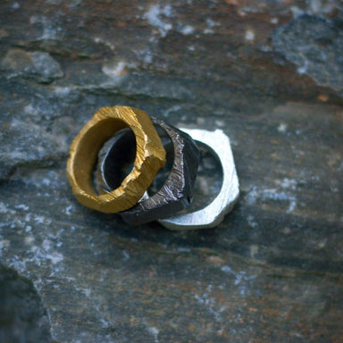Rings ALCHEMY pair ring stacking gold and black ruff organic pari of rings alchemy double art jewelry maria solorzano great gift