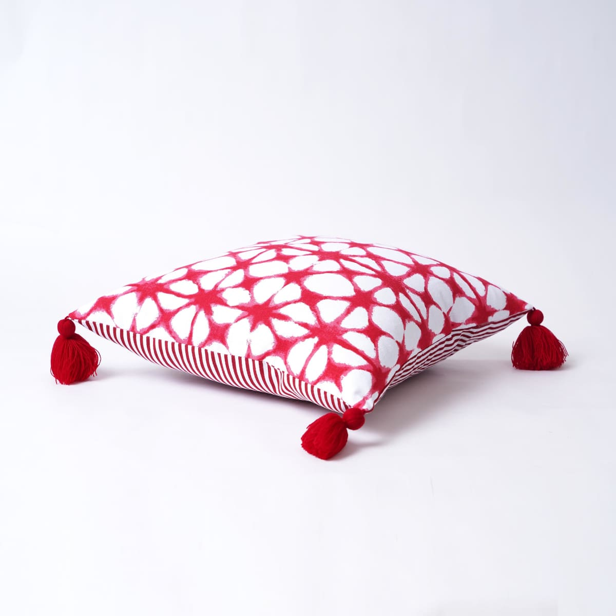 Christmas pillow cover Tie dye pattern Red and white Various size available - by VLiving