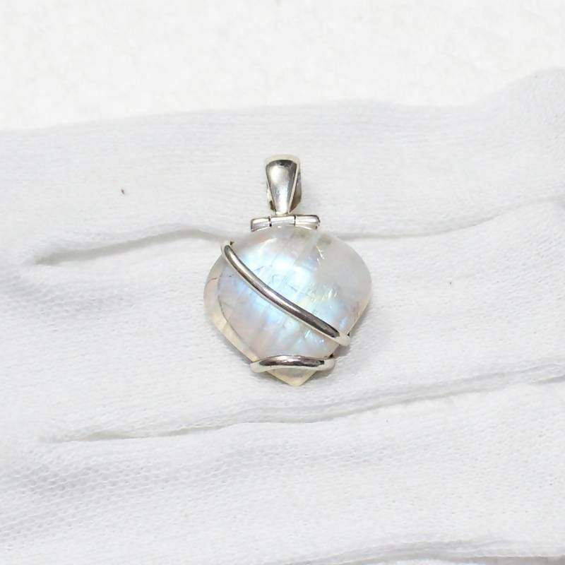 Necklaces Exclusive NATURAL FIRE RAINBOW MOONSTONE Gemstone Pendant Birthstone 925 Sterling Silver Fashion Handmade Free Chain Gift