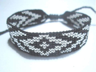 Bracelets Huichol Native American Inspired Black and Silver Beaded Friendship Bracelet