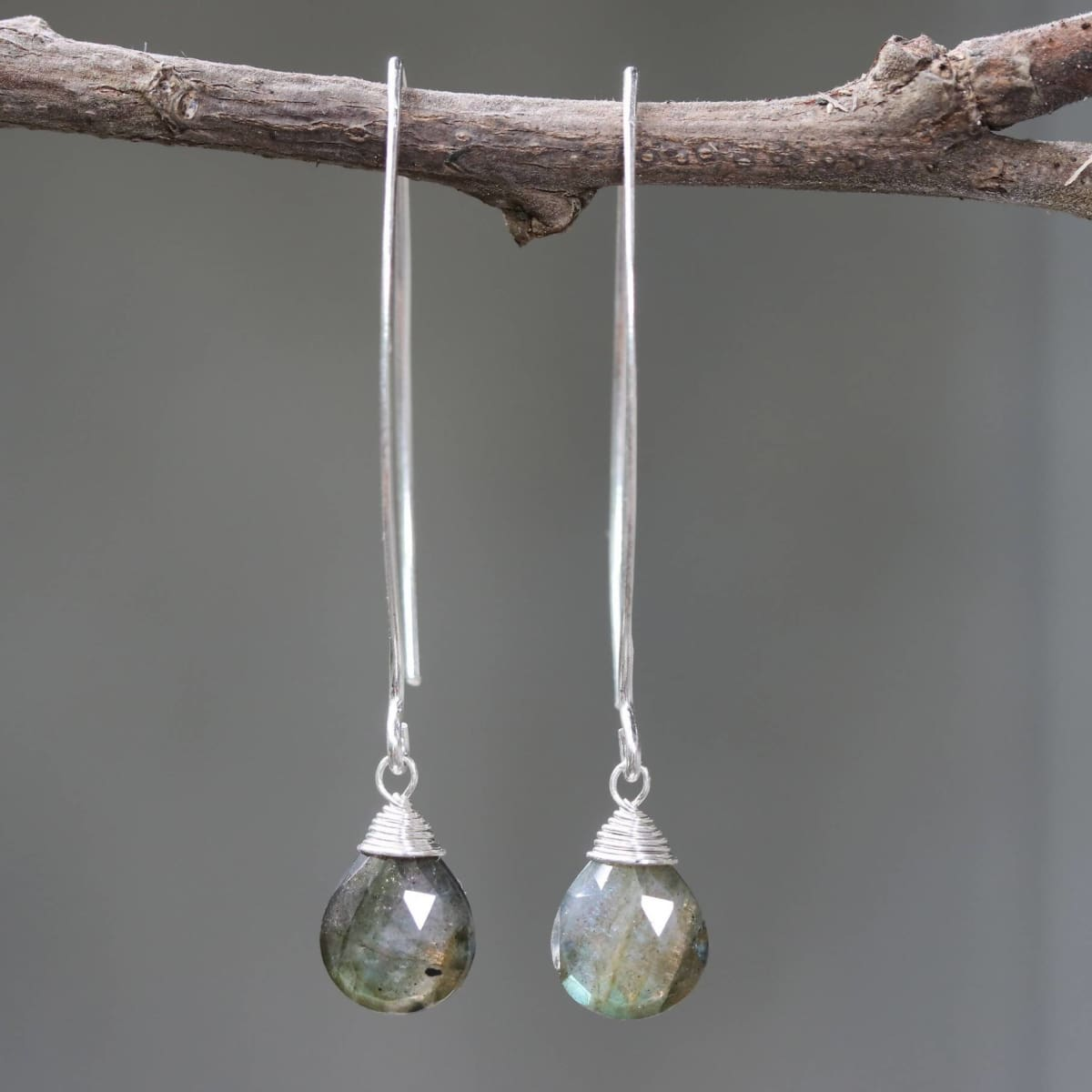 Earrings Silver wire earrings with labradorite drop