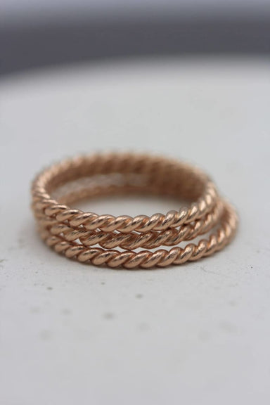 STR3LRG Handmade silver rope stackable ring coated in rose gold - large size - by Silvertales Jewelry