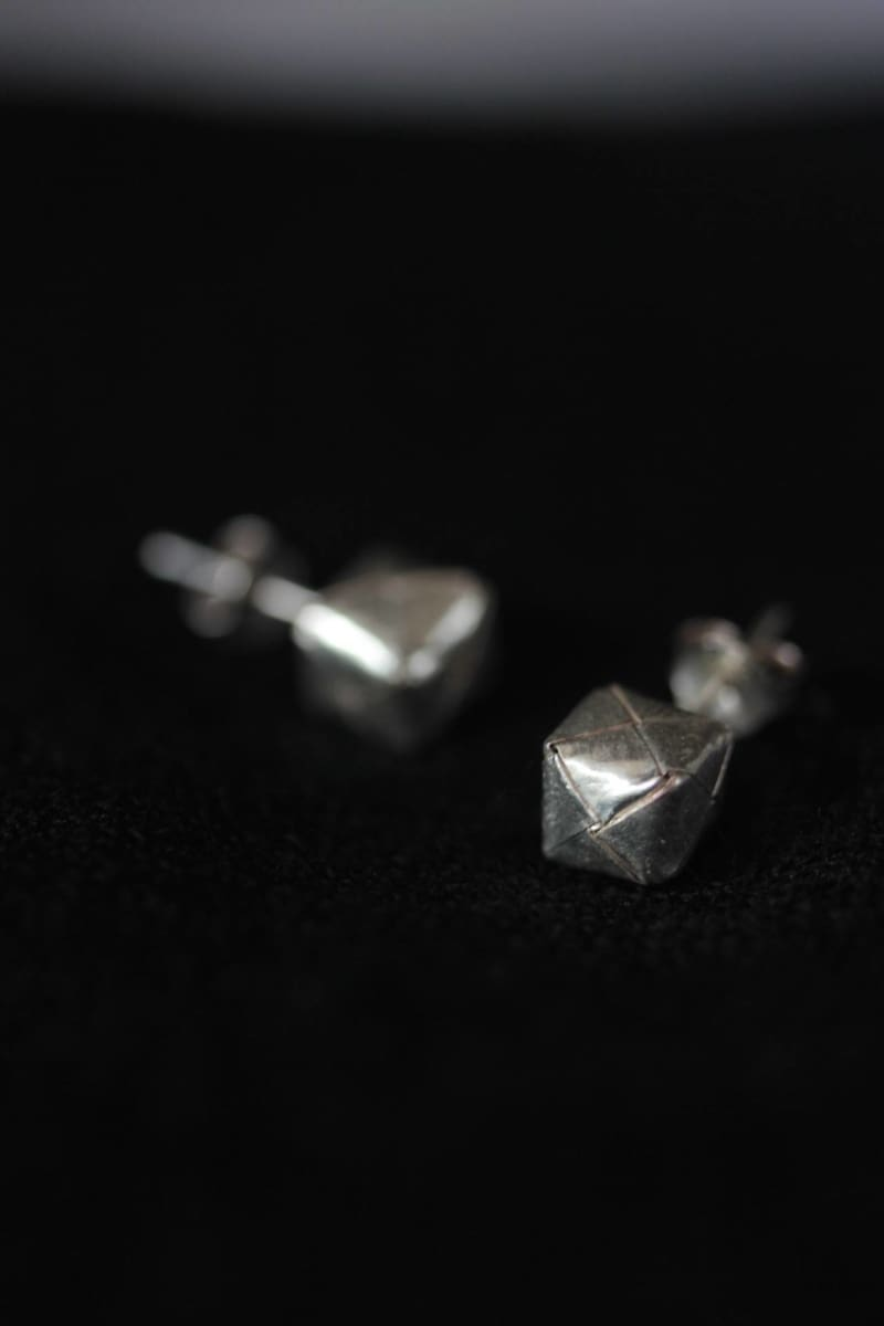 Earrings Stud with woven cube design