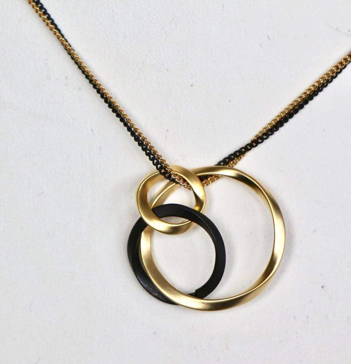 Necklaces Three Interlinked Circles Charm Necklace Gold And Rhodium Dipped Layering Linked Gift (SN89/90)