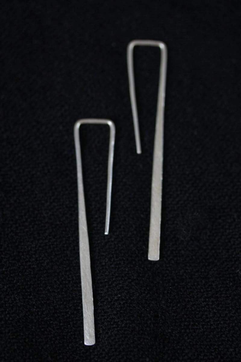 Earrings Toothpick-shape hook earrings in Thai silver