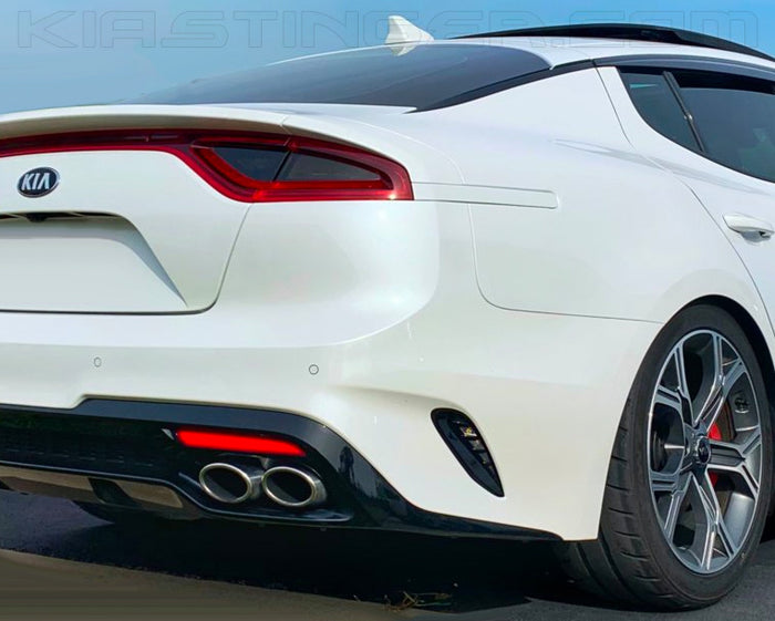 Body-Colored Rear-Side Reflectors for the Kia Stinger
