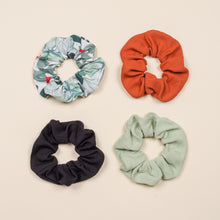 Load image into Gallery viewer, Evie Scrunchie - Onyx Hybrid Rib