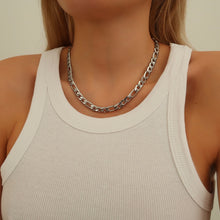 Load image into Gallery viewer, cara silver figaro necklace