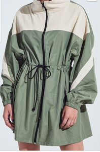 Two tone wind breaker