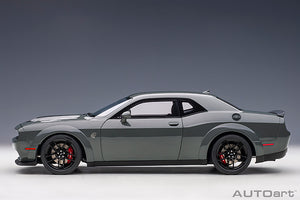 DODGE CHALLENGER SRT HELLCAT WIDEBODY 2018 (DESTROYER GREY/DUAL GUNMETAL CENTER STRIPES)
