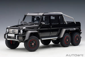 MERCEDES-BENZ G63 AMG 6x6 (GLOSS BLACK)