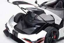 Load image into Gallery viewer, KOENIGSEGG ONE : 1 (PEBBLE WHITE/CARBON BLACK /RED ACCENTS)