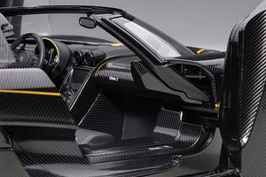 KOENIGSEGG ONE : 1 (CLEAR CARBON FIBER/GOLD STRIPES)