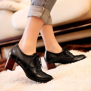 Hollow Out Plain  Chunky  High Heeled  Criss Cross  Round Toe  Date Office High Heels Boots