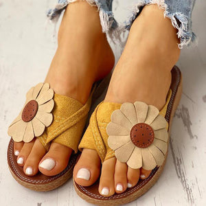 Casual Korean Style Sunflower Design Beach Shoes Flat Sandals