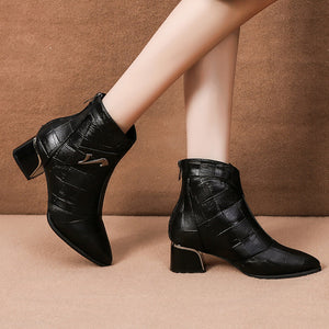 Women's fashion pointed and velvet Martin boots
