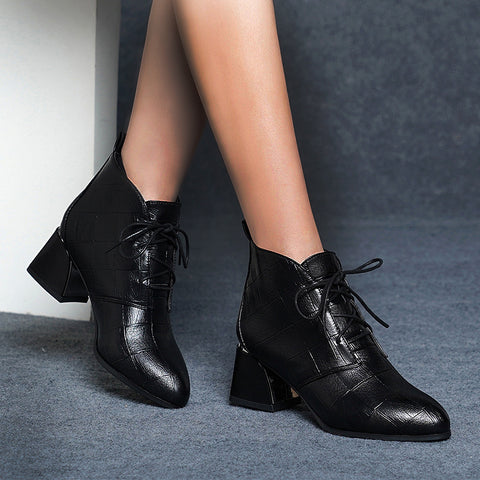 Comfortable pointed strap with chunky ankle boots