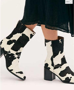 Women's Black And White Contrast Color Zipper Boots