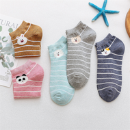 A set of 10 pairs of wild cotton casual socks
